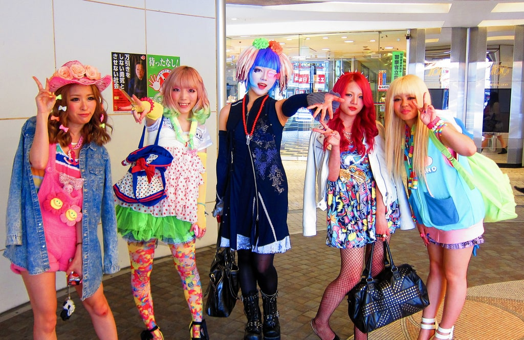 Sightseeing in Tokyo - local cosplay girls posing
