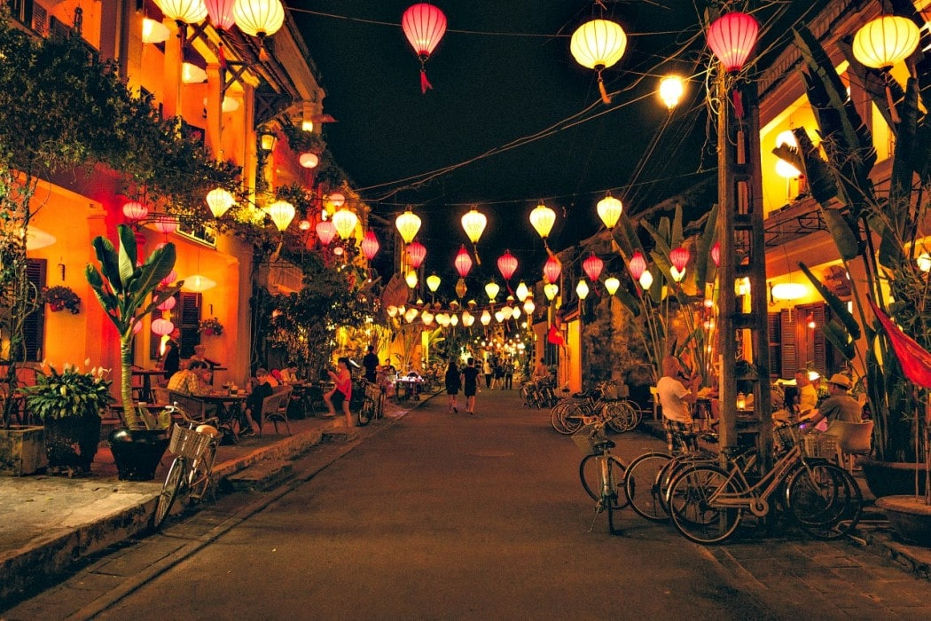Lit-up night markets in Hoi An