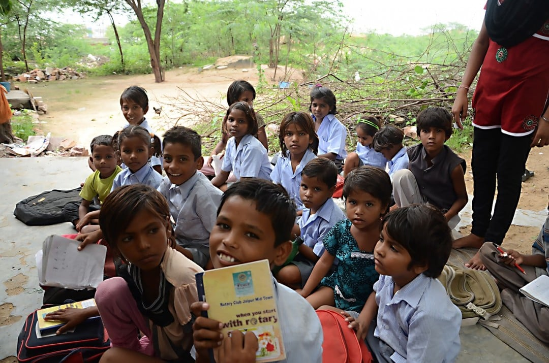 Volunteering in Peru with children