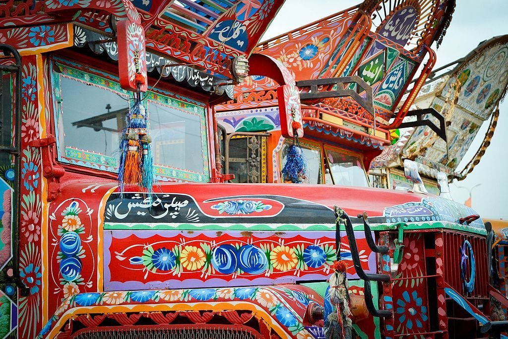 pakistan trucks art karakoram highway