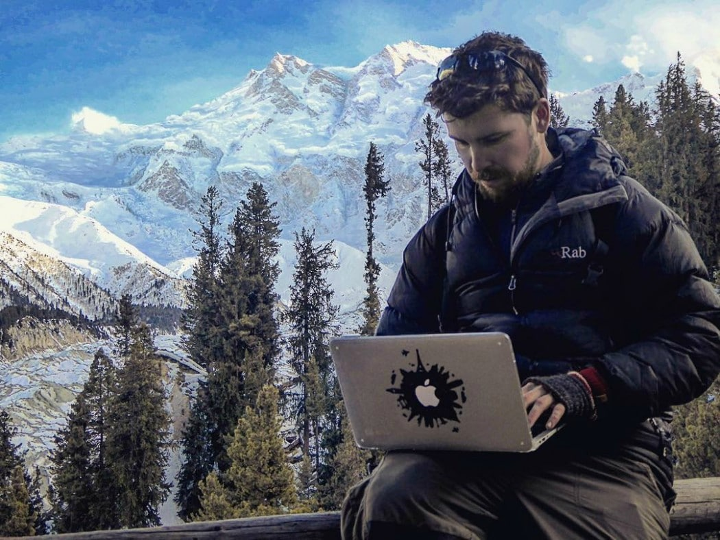 a digital nomad at work - the best travel job