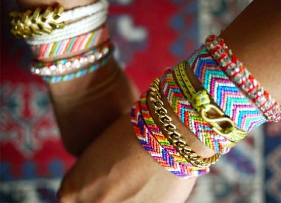 Woman selling bracelets as a travelling job with no experience
