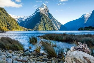 New Zealand scenic beauty for wilderness travel experience