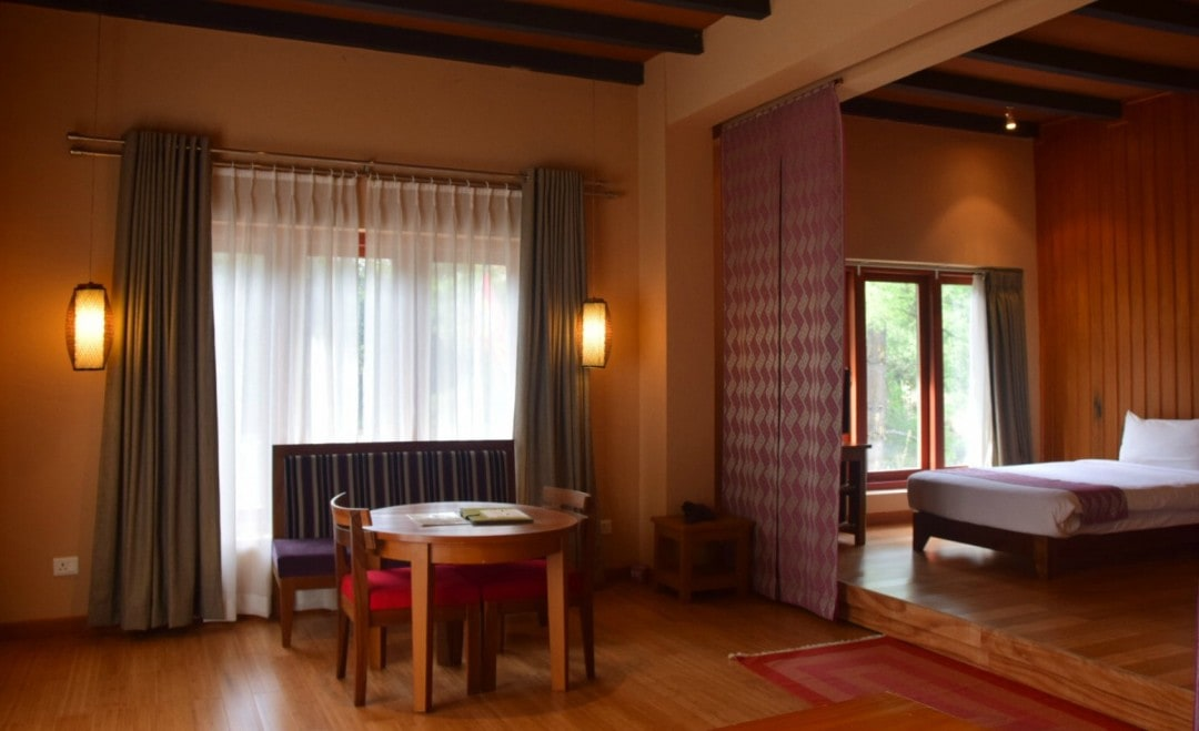 how to visit Bhutan hotels