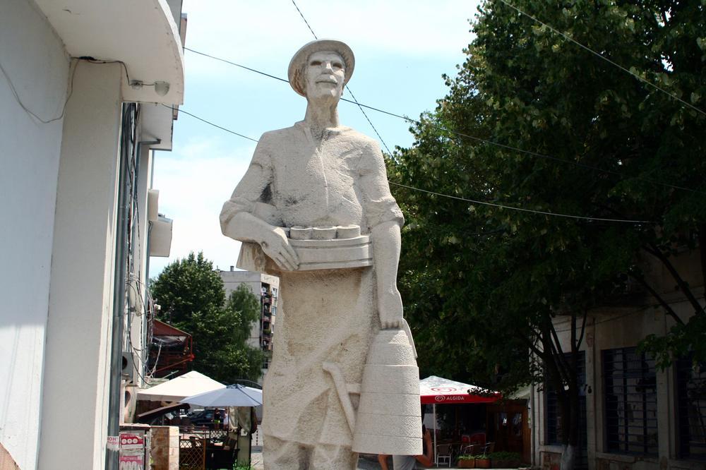 statue in bulgaria