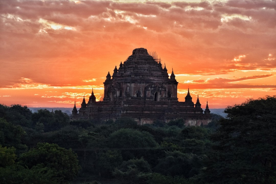 Travelling with my camera in Myanmar