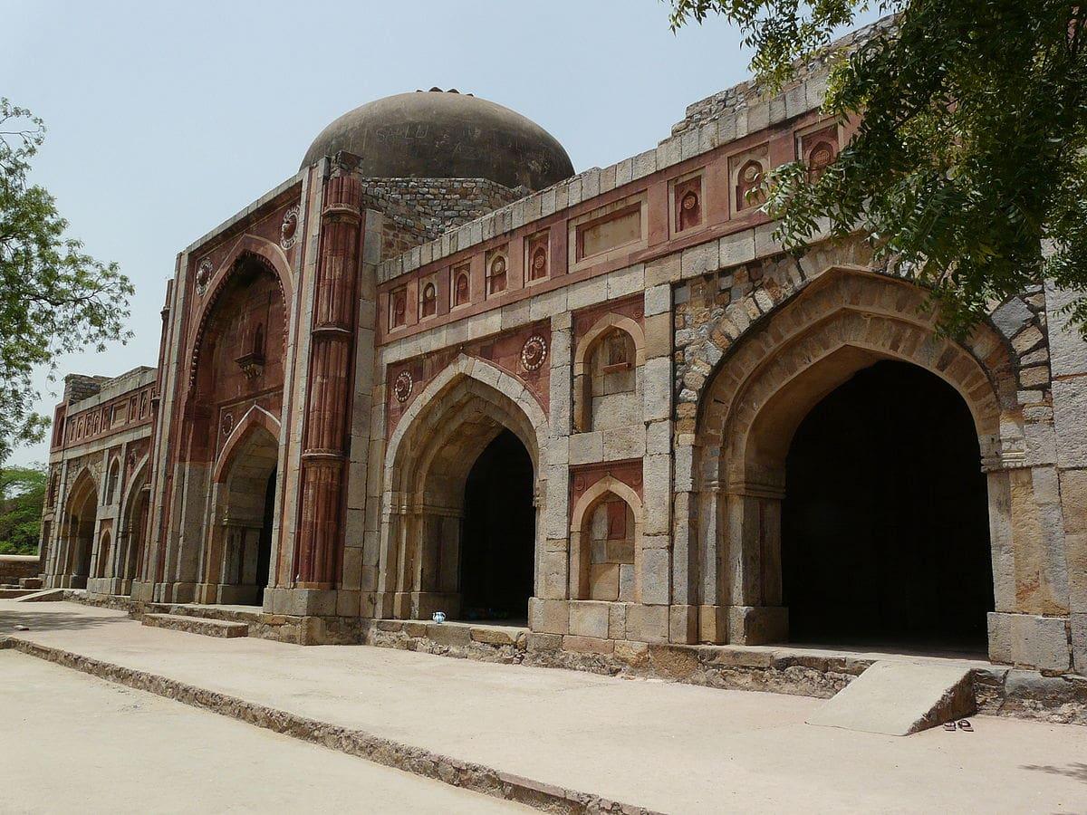 Jamali-Kamali Masjid - abandoned temples in india