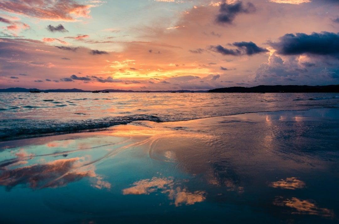 things to do tahiti - sunset watching