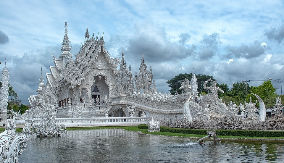 Wat Rong Khun: one of the best places to go in Thailand's north
