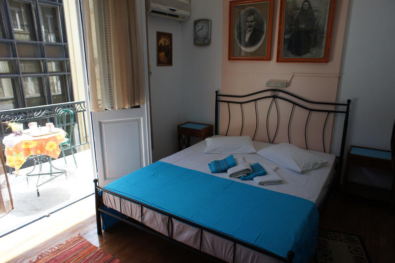 Best Hostel in Athens with a Private Room - Dioskouros
