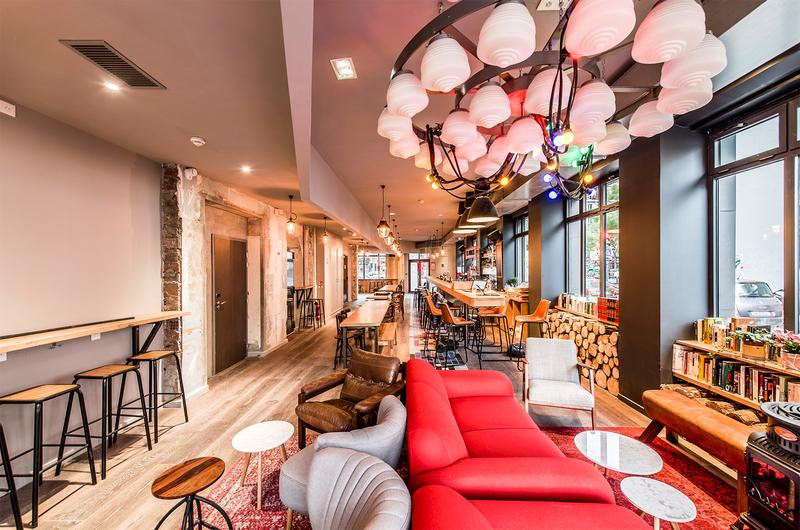 Best Hostel for Digital Nomads in Paris #1 -Les Piaules