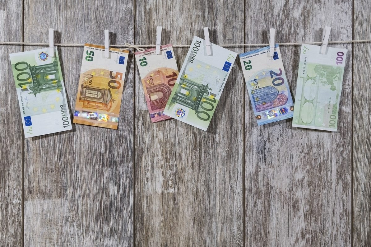 Euros on a washing line - the currency in Greece