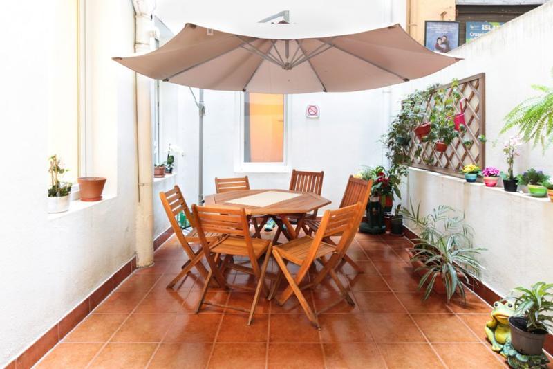 Lisboa Central Best Hostel for Solo Traveller in Lisbon