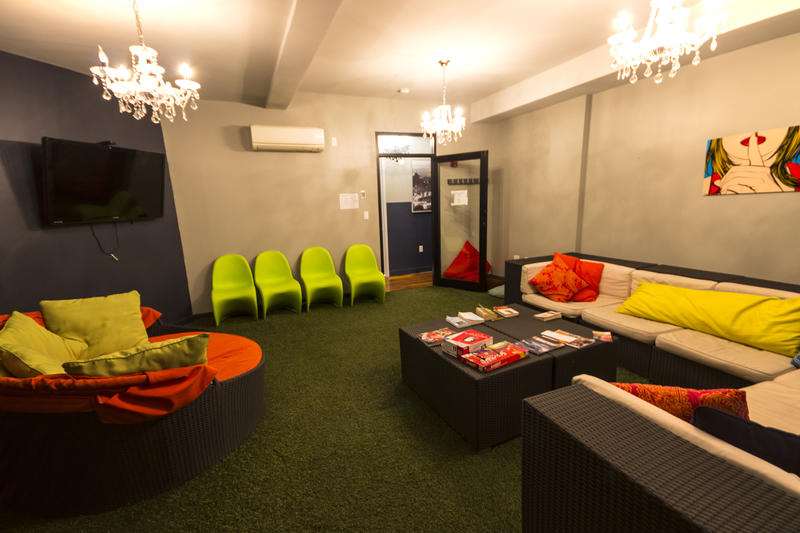 Q4 Hotel best hostels in New York