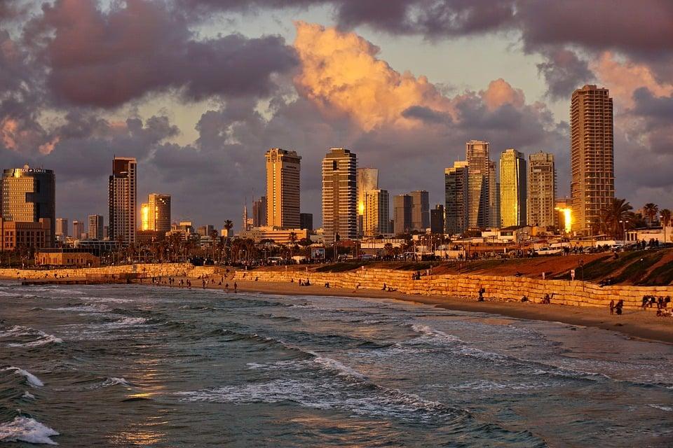 best hostels in tel aviv beach view