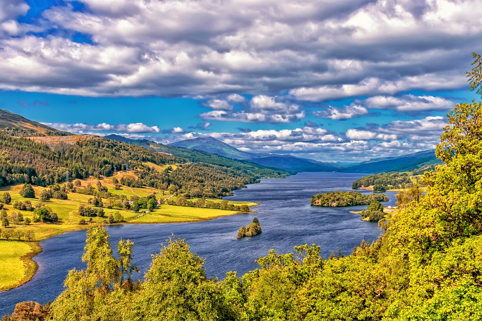Loch Lomond in the Scottish highlands. photo courtesy: Pixabay