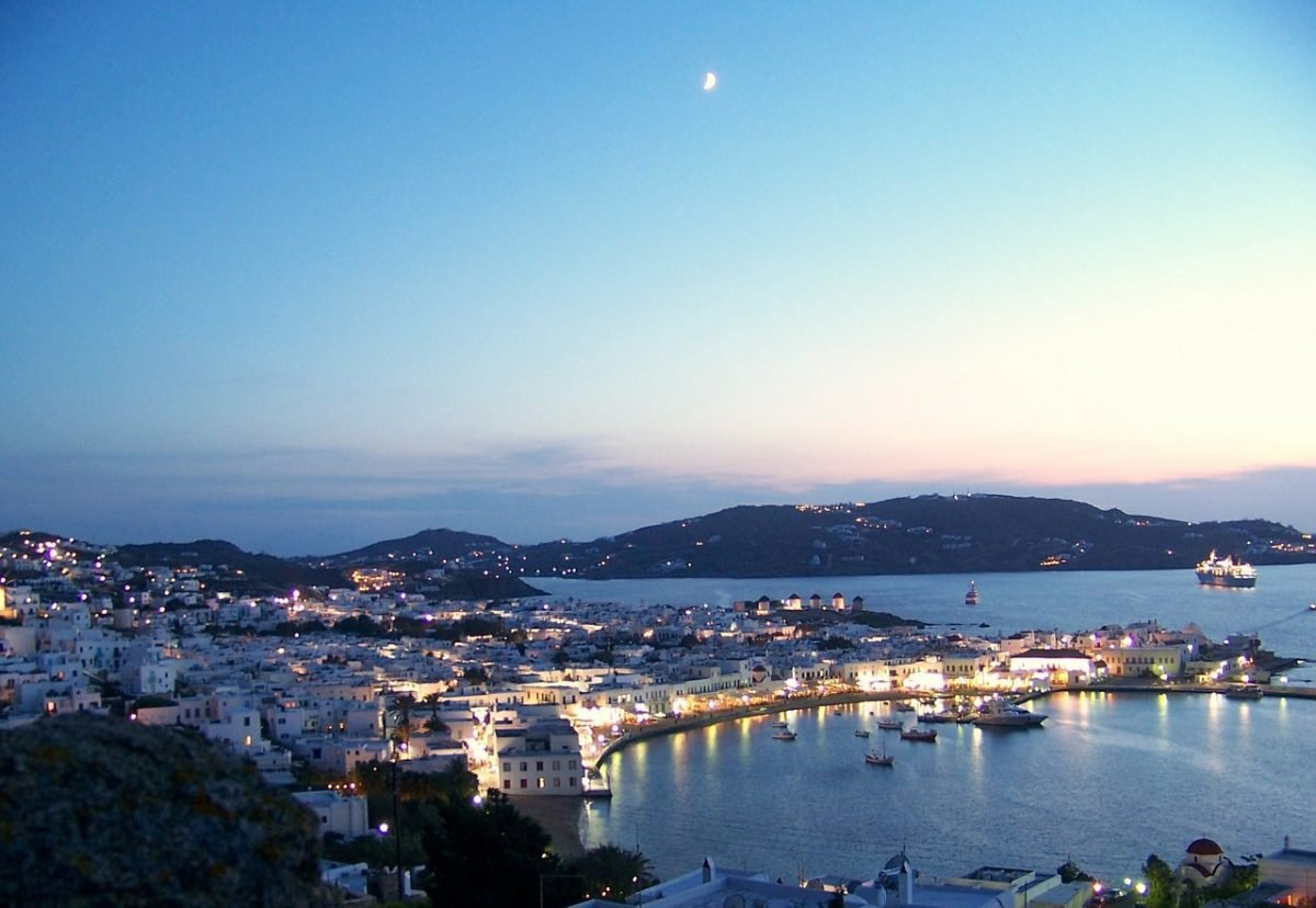 Visiting Mykonos at night while backpacking Greece