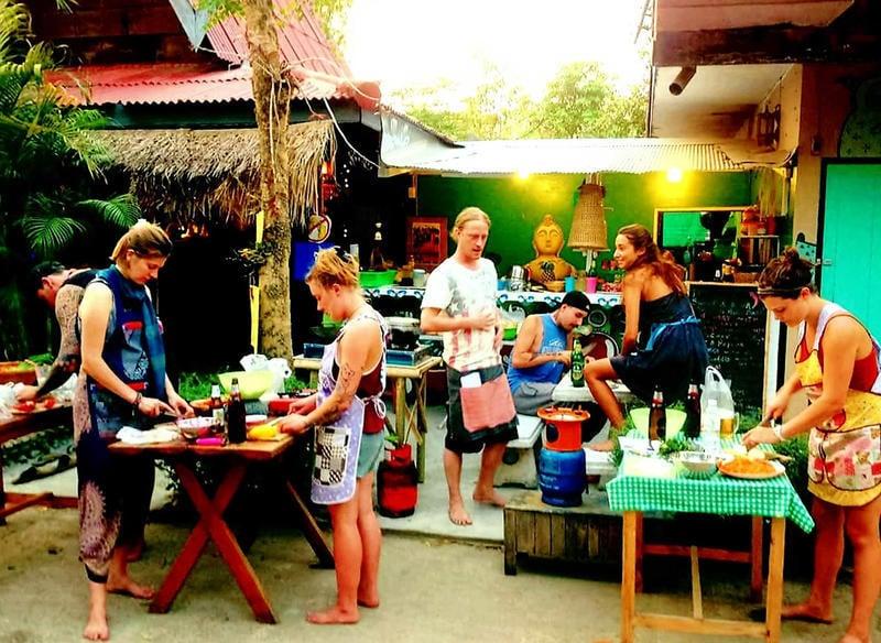 Buzzas Backpackers Best Hostels in Pai