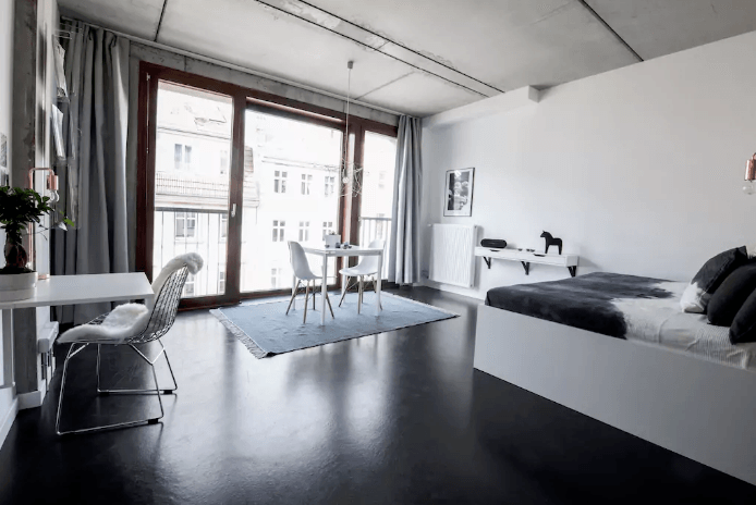 Design loft with rooftop & pool, Berlin