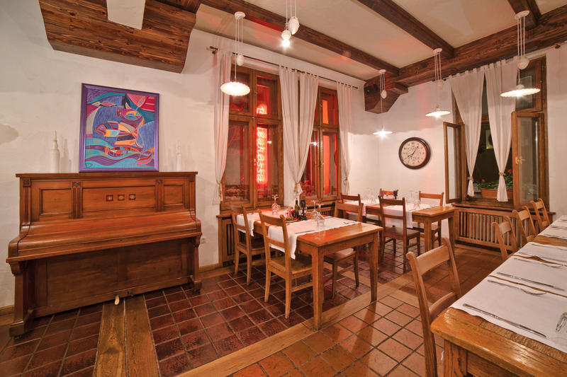 Guest House 32 Best Hostels for Couples