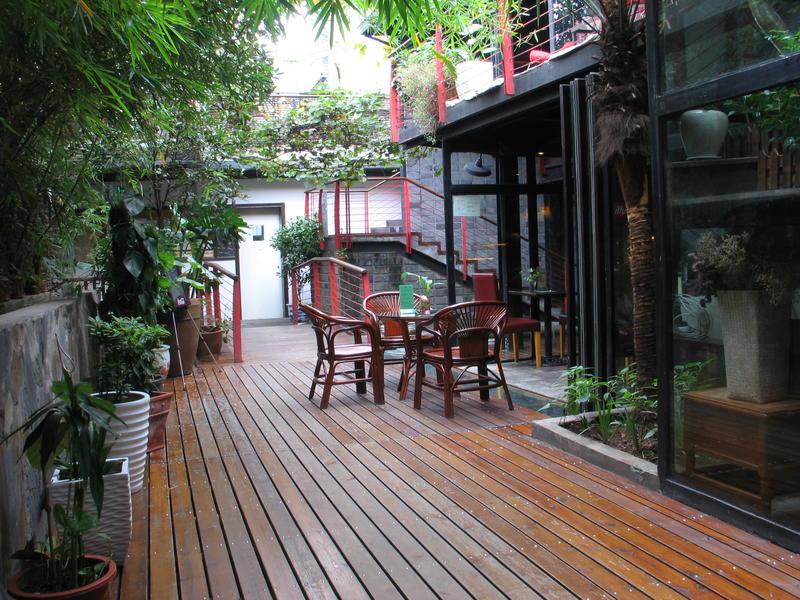 Mingtown Etour best hostels in Shanghai