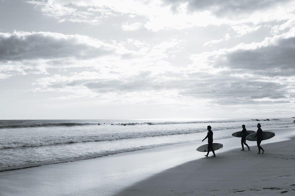 Surfing in Peru at Playa Chicama's surf spot