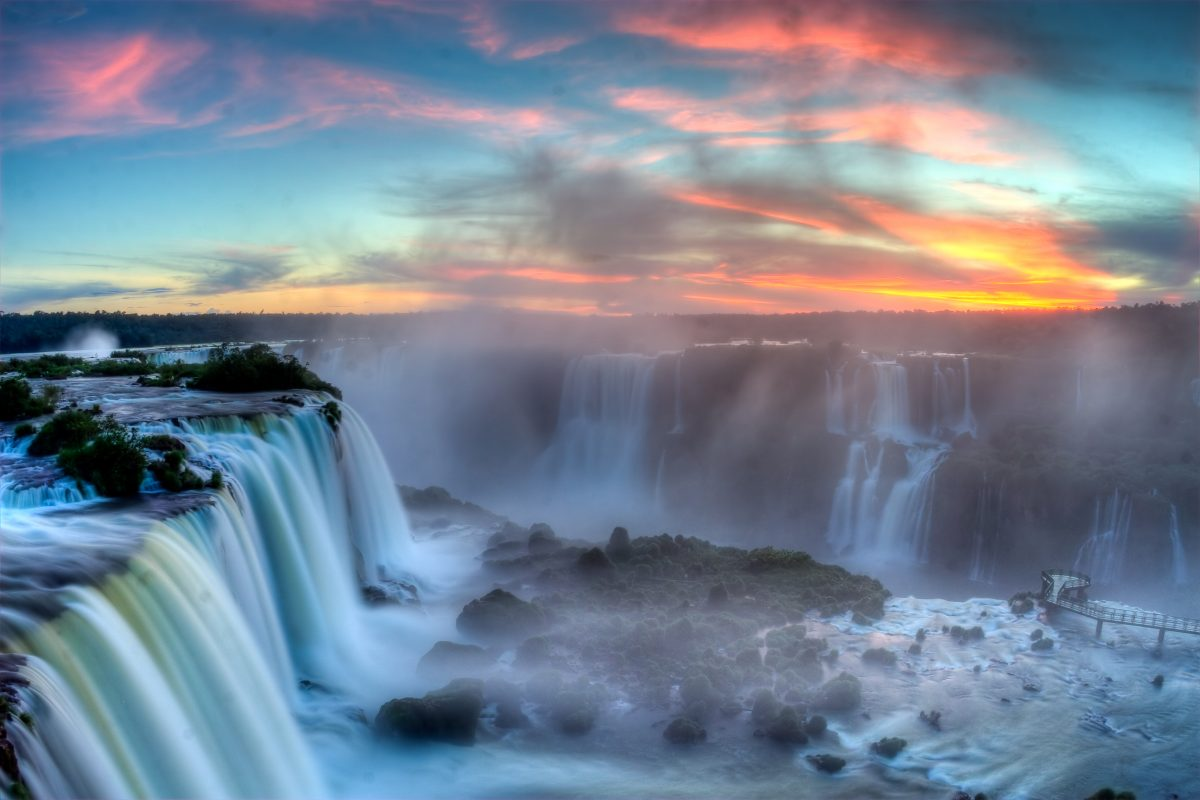 iguacu falls sunset argentina