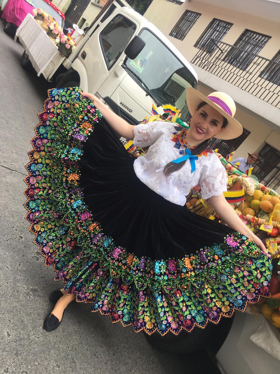 wikicommons-ecuador-woman