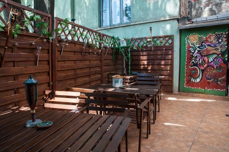 Antique Hostel Best Hostel for Couples in Bucharest
