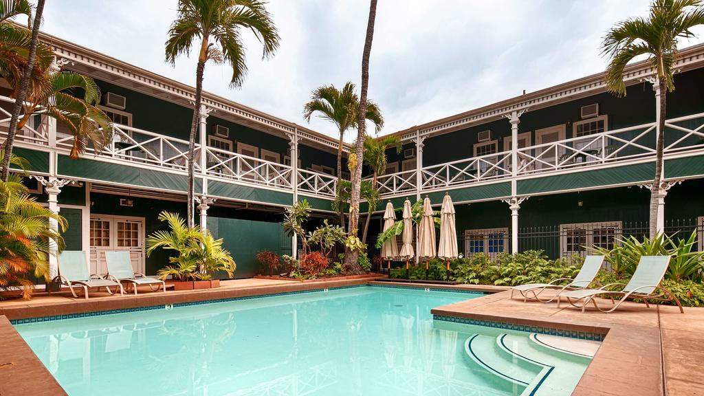 Best Western Pioneer Inn best hostels in Maui