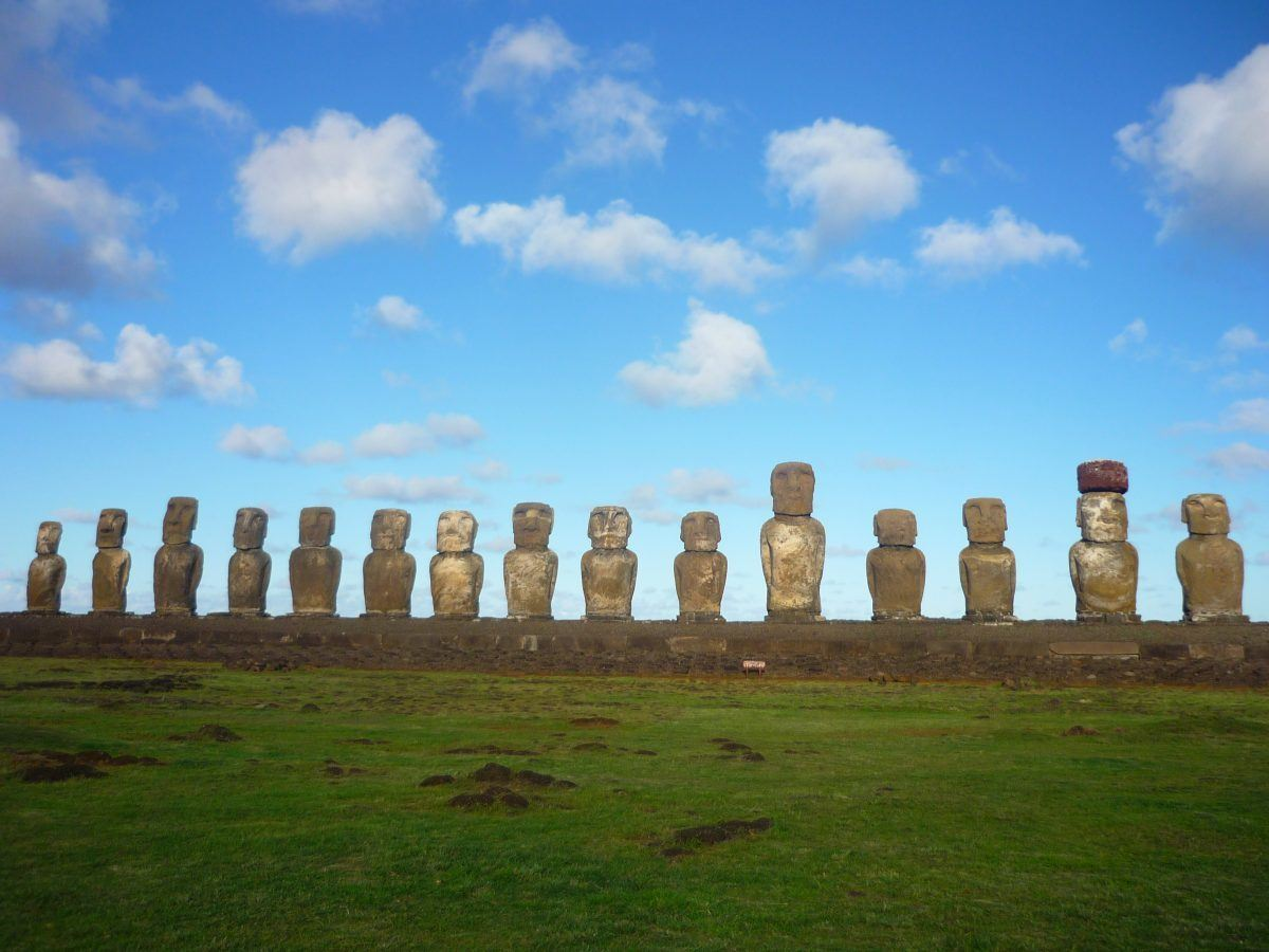 backpacking Chile easter island