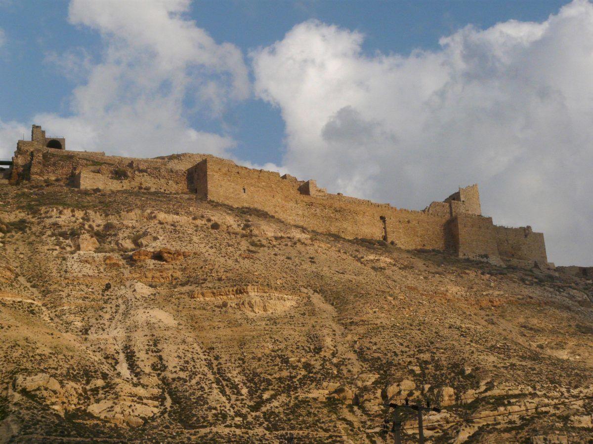 Seeing the crusader castle kerak while visiting jordan