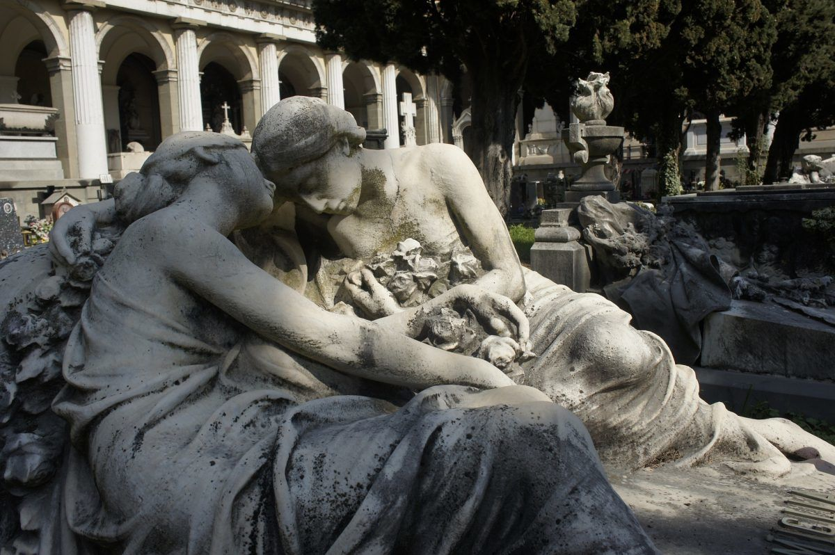statues in cemetery in genoa italy