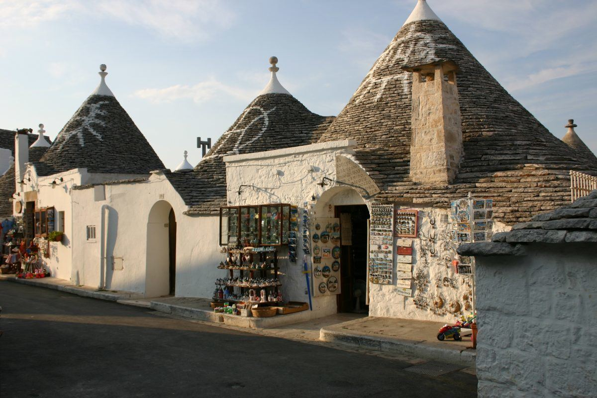 trulli huts in pulgia italy
