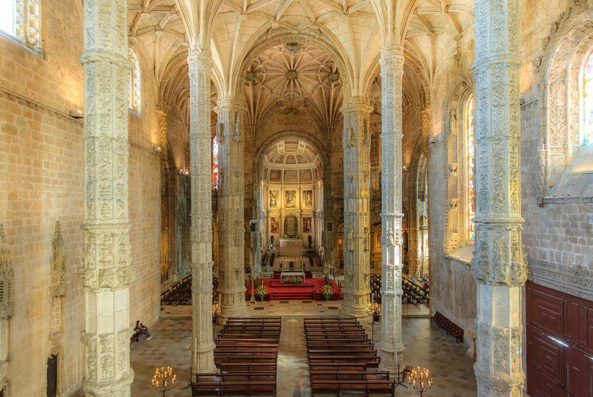 mosteiro dos jeronimos in lisbon portugal