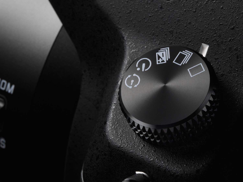 Panasonic Lumix FZ1000 features and performance