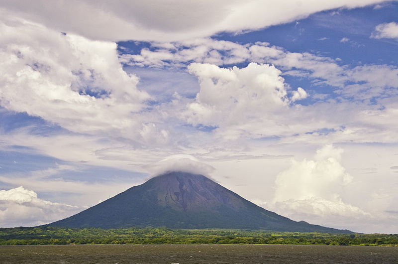 hiking ometepe volcano