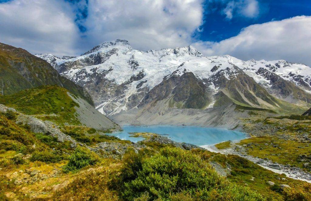 beautiful alpine lake new zealand