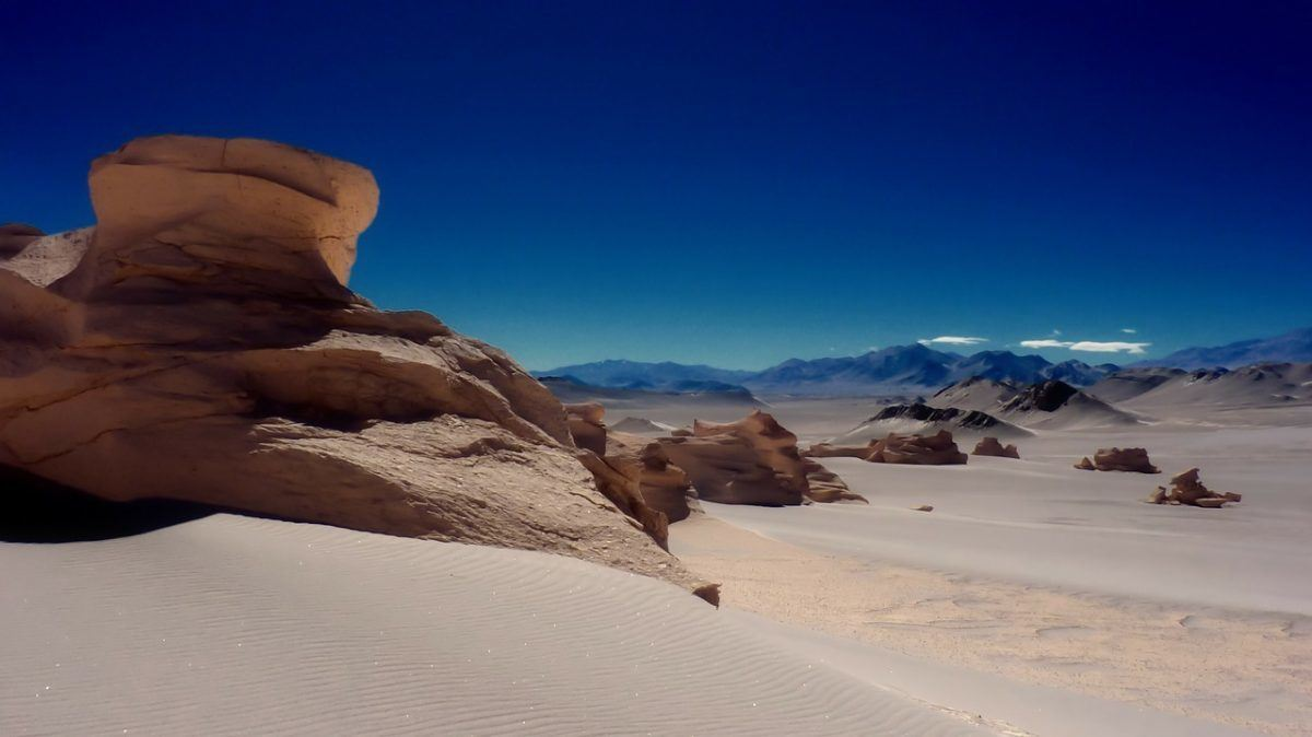 things to do when backpacking Chile dry Atacama desert