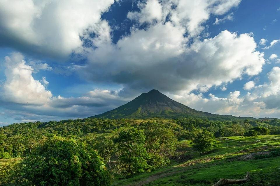 Costa Rica Backpacking Travel Guide
