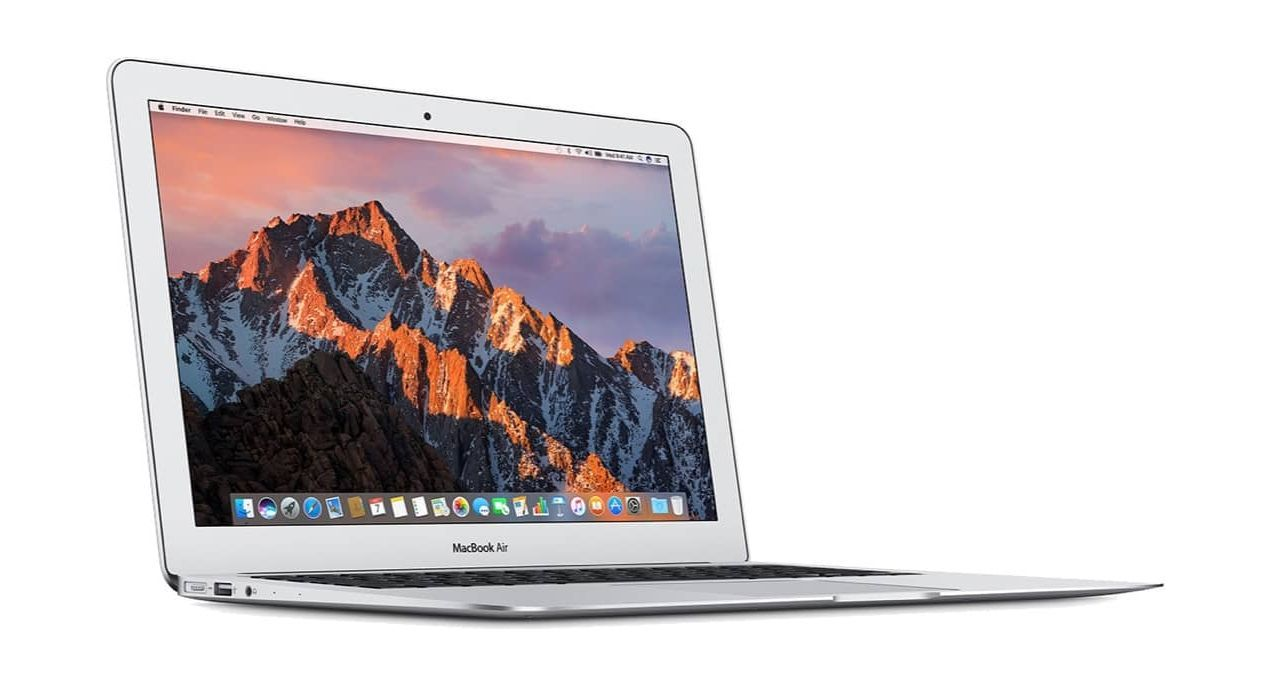 macbook air the best laptop for travel
