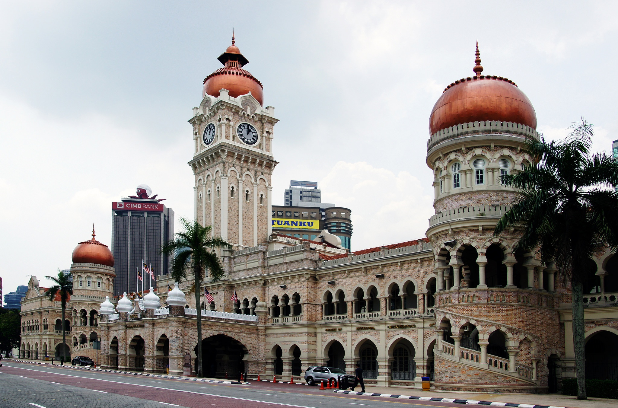 Exploring Colonial-era architecture while travelling Malaysia on a budget