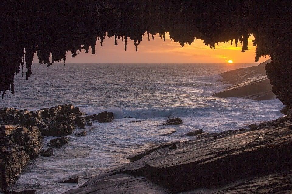Admirals Arch of Kangaroo Island.