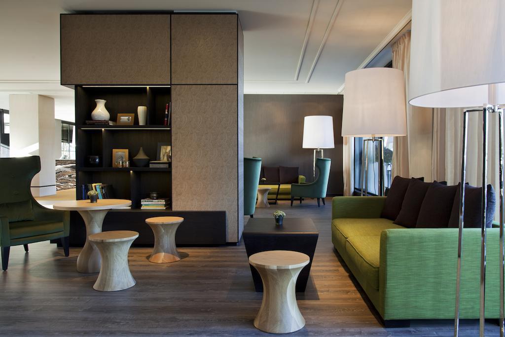 Crowne Plaza Geneva best hostels in Geneva