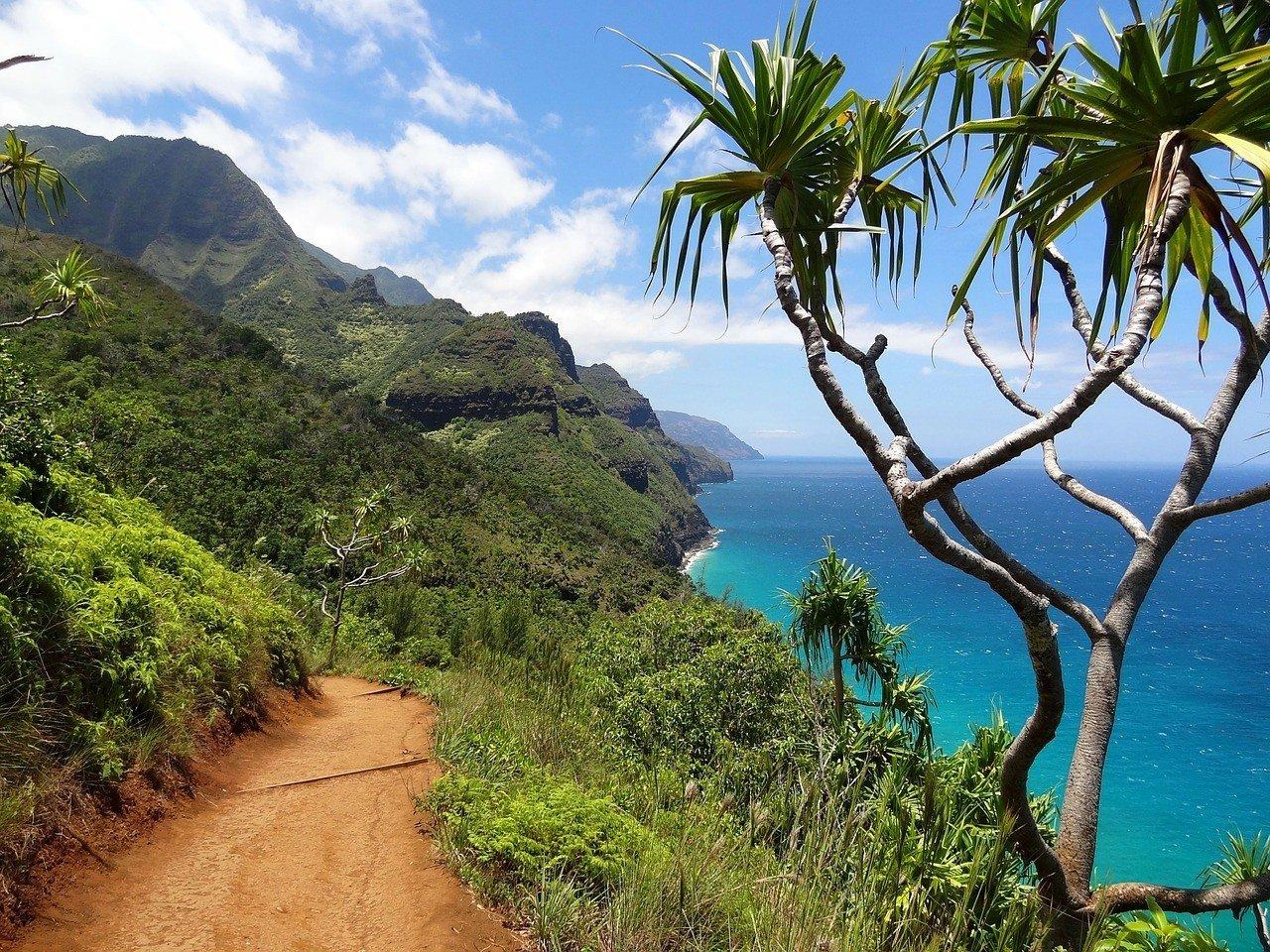 Coastal views of the tropica island vacation spot Kauai in Hawaii