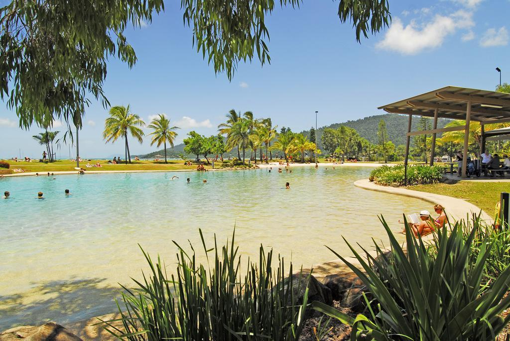 Whitsunday on The Beach best hostels in Airlie Beach