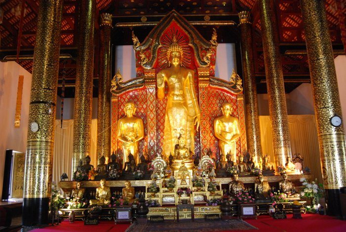 Backpacking Chiang Mai temples