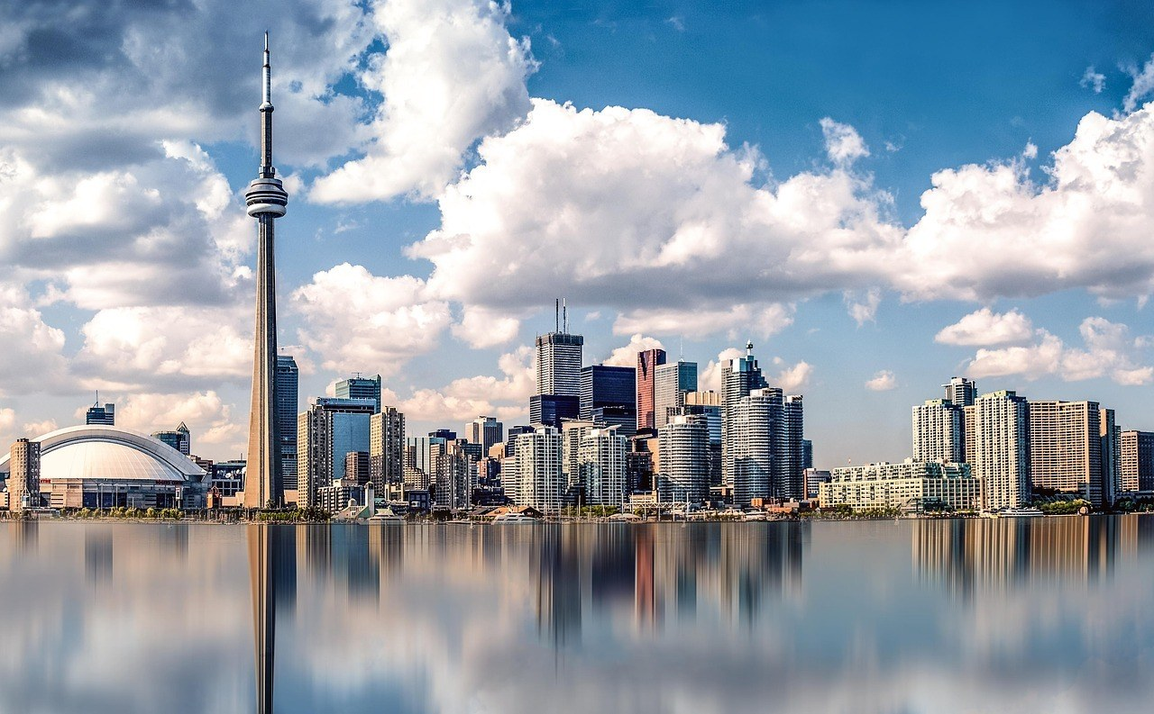 toronto skyline and reflection
