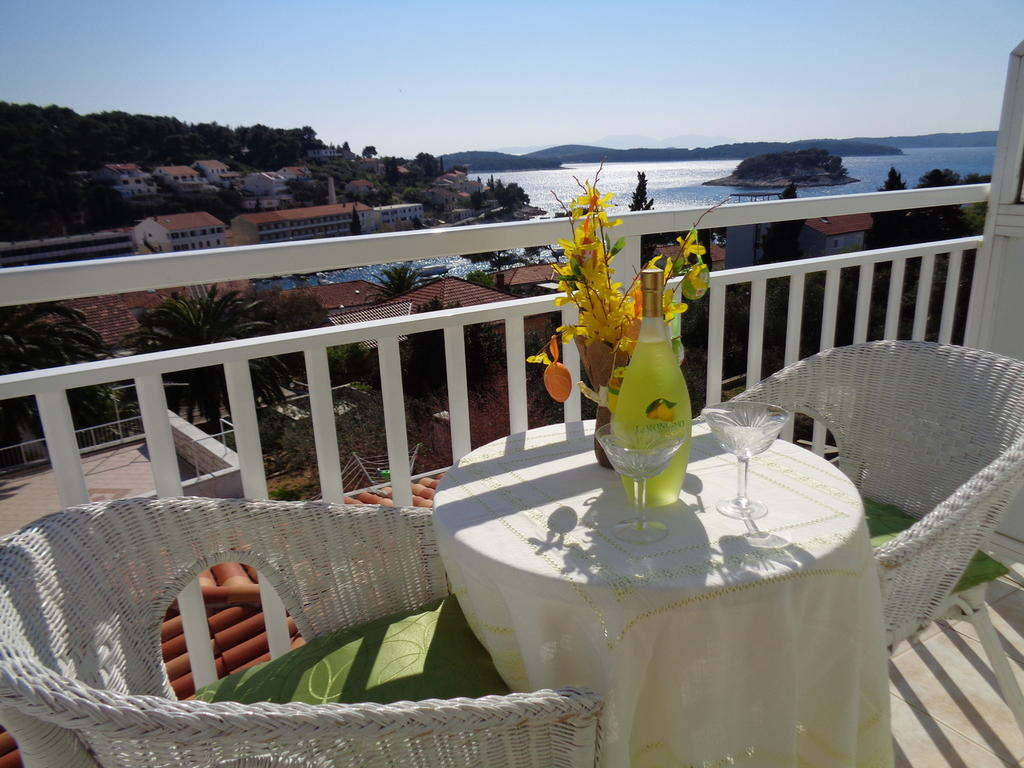 Hostel Villa Zorana best hostels in Hvar