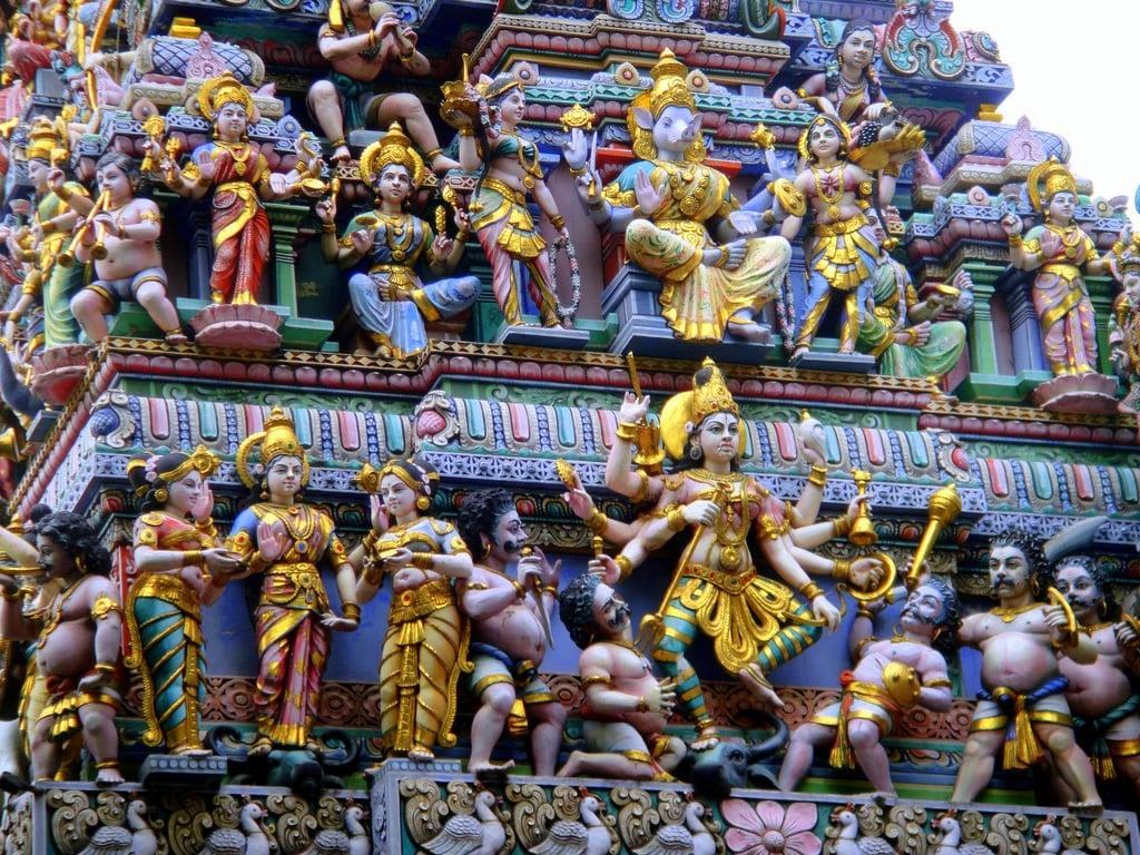 Sri Veeramakaliamman Temple, Little India, Singapore-Matt Kieffer-flickr